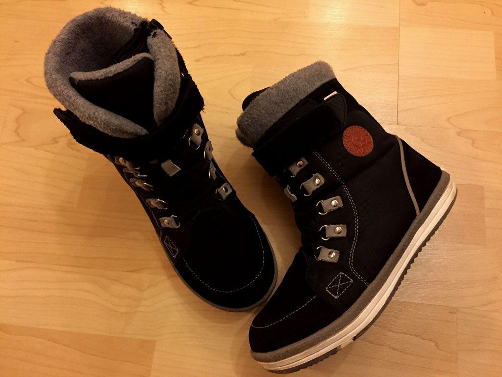 Die Stiefel sehen wieder wie neu aus.
