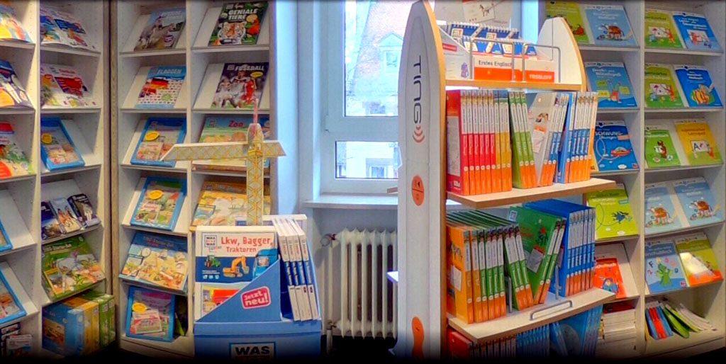 Kunterbunte Bücherregale