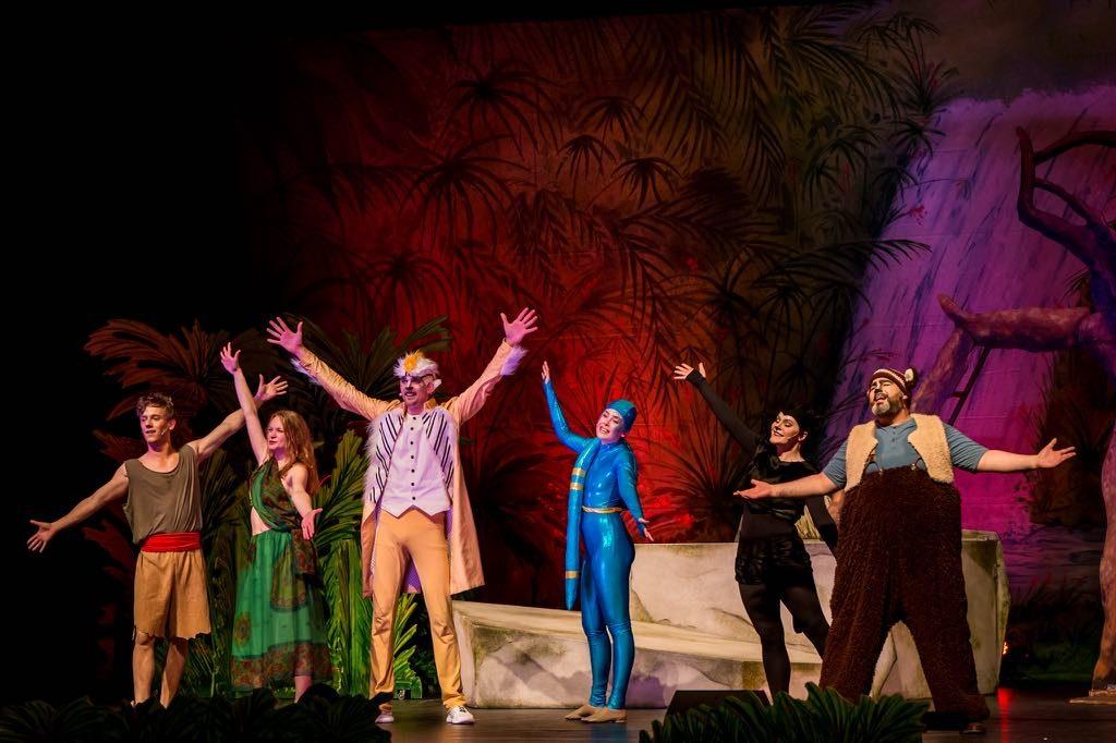 Dschungelbuch - Darsteller auf der Bühne