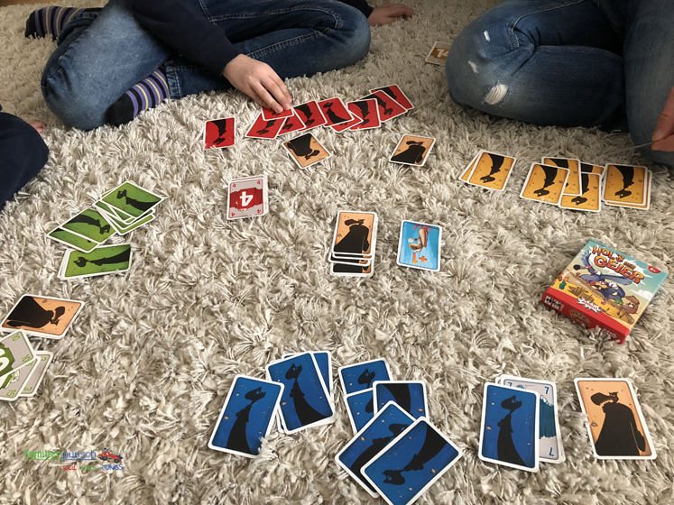 AMIGO - Hol's der Geier_Wer spielt die benötigte Karte aus