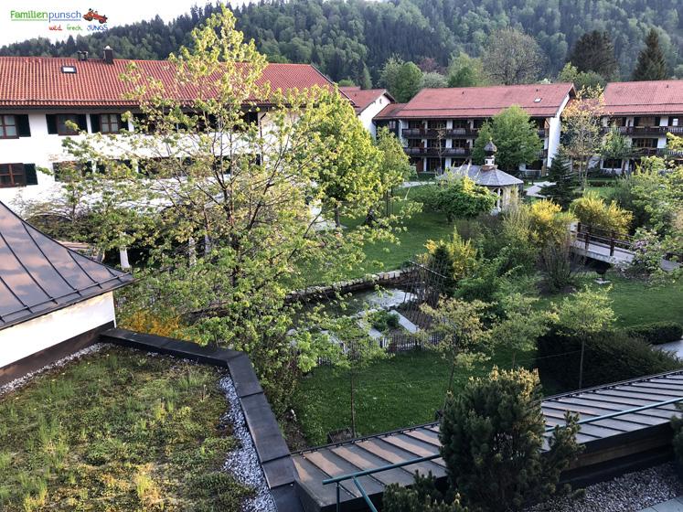 Bachmair Weissach - Ausblick auf Hotelgarten