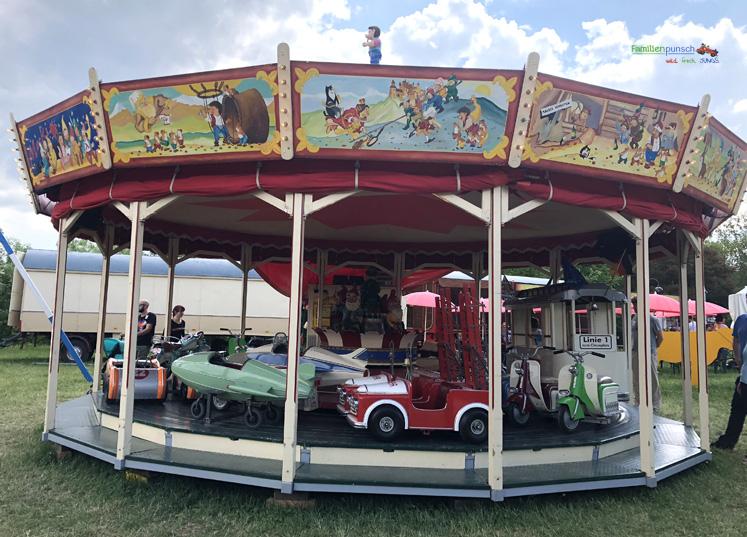 Fränkisches Freilandmuseum - Karussell mit Fahrzeugen