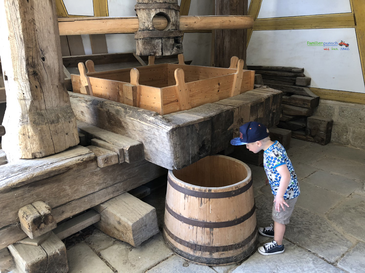 Fränkisches Freilandmuseum - alles wird erkundet