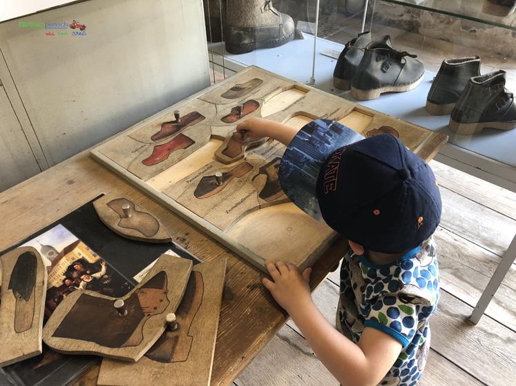 Fränkisches Freilandmuseum - Schuhpuzzle