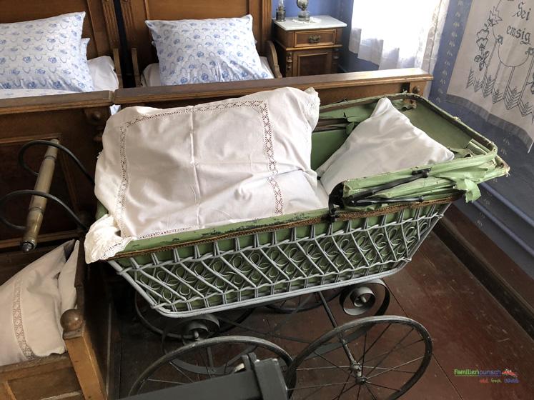 Fränkisches Freilandmuseum - der alte Kinderwagen