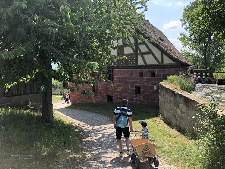 Fränkisches Freilandmuseum - immer dabei der Bollerwagen
