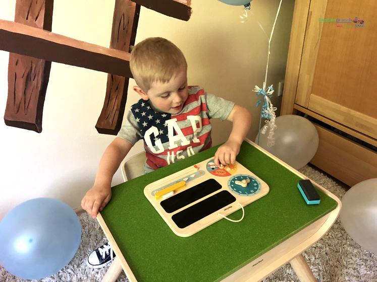 Kindertisch- und Kinderstuhlset PlanToys - Jahreszeiten
