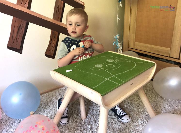 Kindertisch- und Kinderstuhlset PlanToys - Tischplatte zum Bemalen