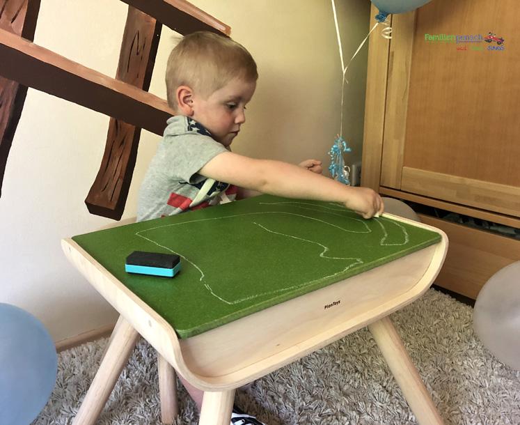 Kindertisch- und Kinderstuhlset PlanToys - spezielle Tafelbeschichtung