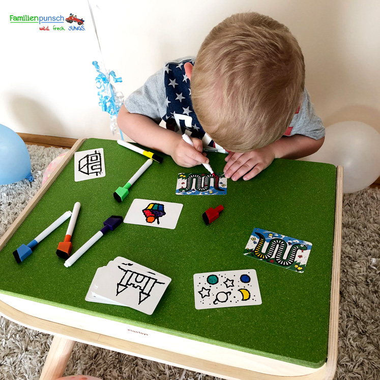 PlanToys Kindertisch- und Kinderstuhlset - speed colors