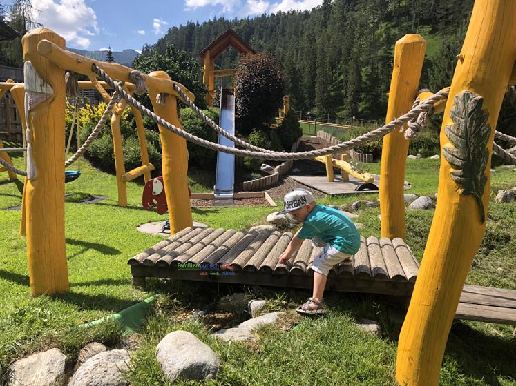 Familienparadies Sporthotel Achensee - Rutsch und Brücke