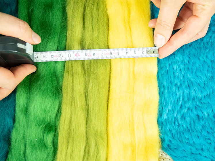 Regenbogen Wandteppich - Breite ausmessen