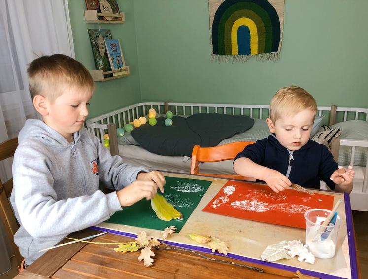 Werkbuch für Kinder - Blätter vorsichtig abziehen