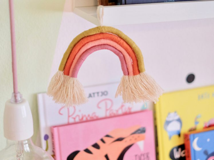 DIY Regenbogen Dekohänger - Rainbow Hanger