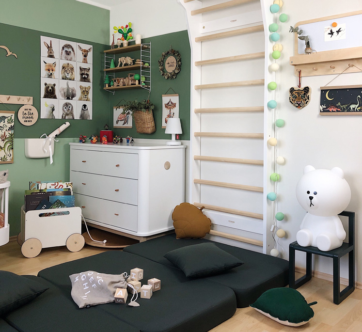 Sprossenwand_UPPLYFT_FitWood_im_Kinderzimmer