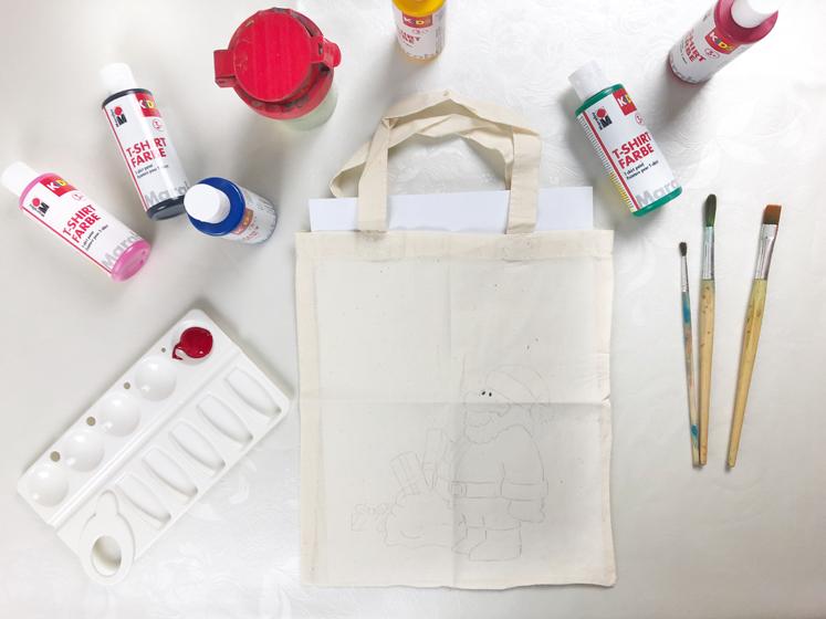 Geschenkverpackungen - Textilfarben und Pinseln
